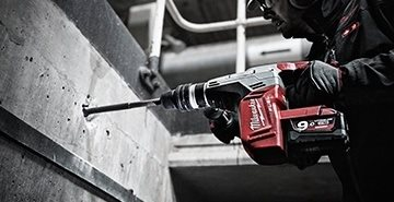 INNOVATION MONDIALE : Milwaukee® lance le premier perforateur burineur 9,0 A.h 18V 5kg