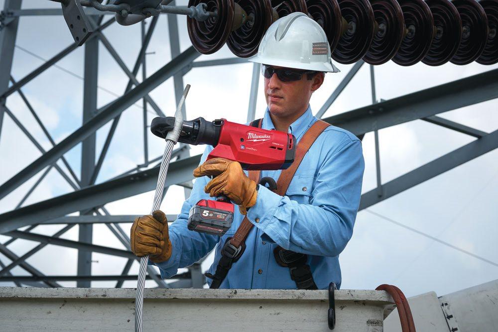 Najlżejsza, najlepiej wyważona i najszybsza hydrauliczna zaciskarka kablowa Milwaukee® M18 HCCT109/4