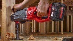 Milwaukee® M18 FUEL™ SUPER HAWG® réalise des perçages scie cloche jusqu'à 152 MM de diamètre.